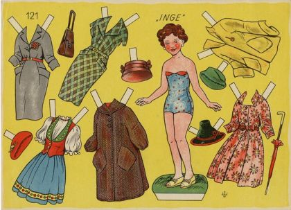 """Eine alte Postkarte mit dem Anziehpüppchen """"Inge"""" und Kleidungsstücken zum Ausschneiden"""