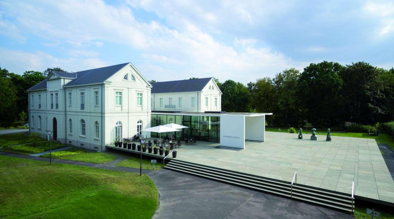 Außenansicht des Max Ernst Museums Brühl